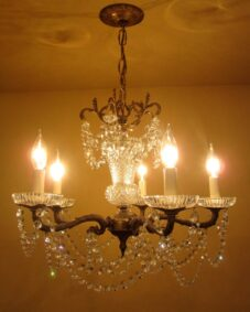 1970s Strass crystal chandelier. Distinctive details.