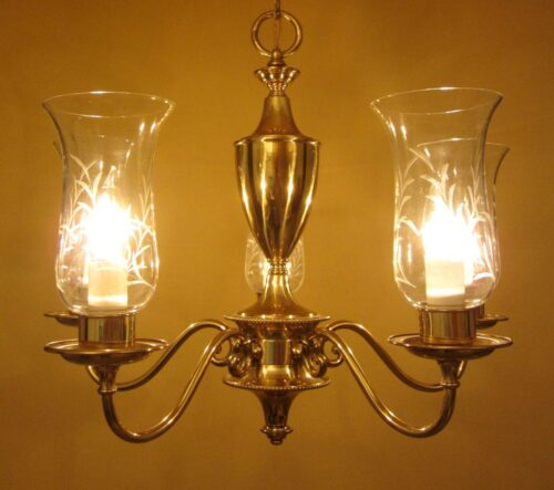 Mid-century 1950s chandelier by Framburg. High-quality classic.